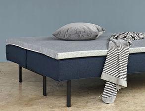 schlafsofa mit federkern in grau oder blau kaufen wilshere. Black Bedroom Furniture Sets. Home Design Ideas
