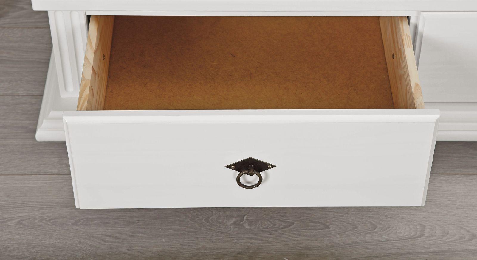 Wäscheschrank Wien mit praktischen Schubladen