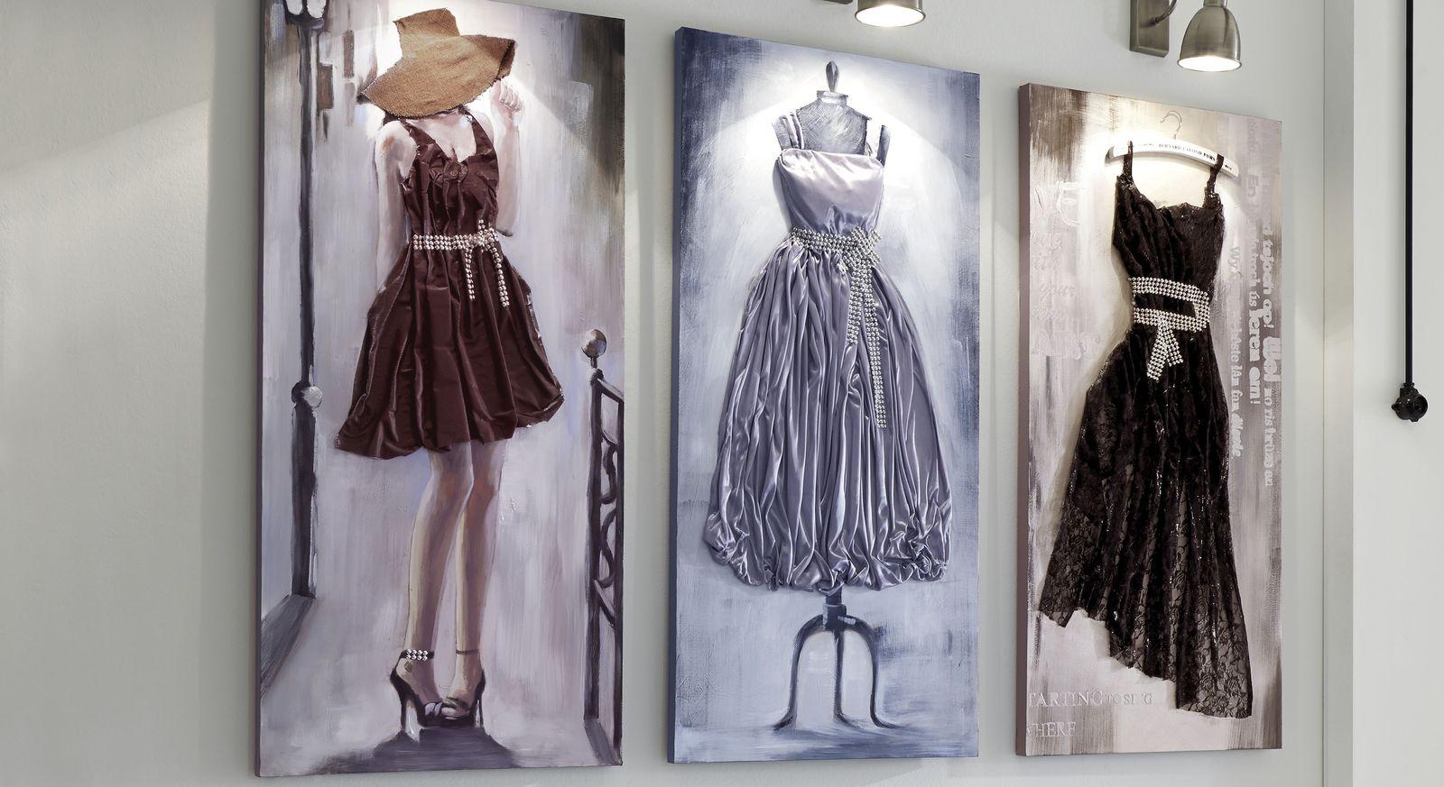Wandbild Mit Kleid Als Relief Aus Stoff Dress Grau
