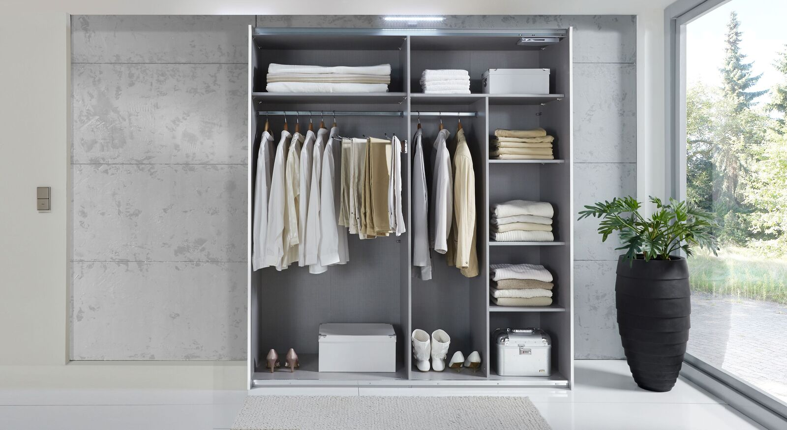 Praktisches und wertvolles Zubehör für Kleiderschränke bis 200 cm Höhe