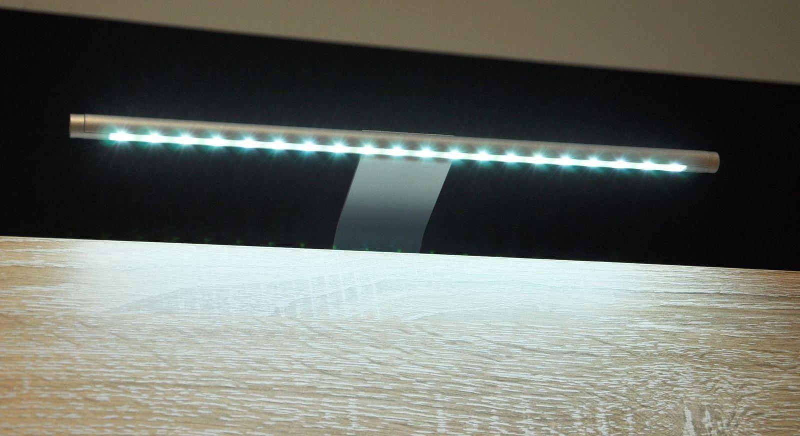 Außenbeleuchtung Line als Zusatzausstattung & Beleuchtung für Kleiderschränke