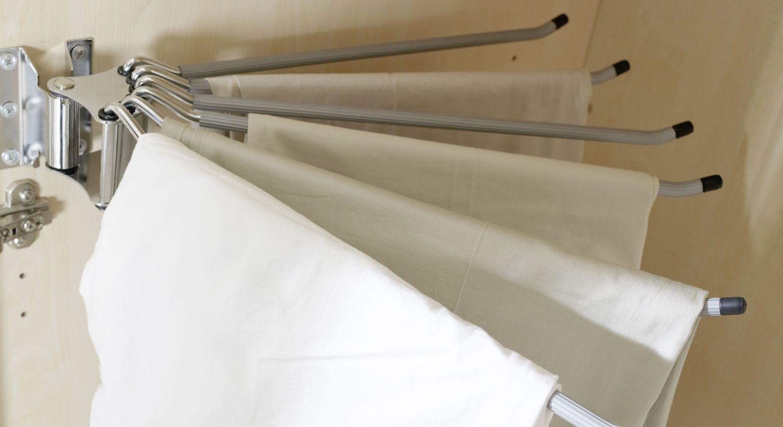 Platzsparender Hosenhalter der Zusatzausstattung & Beleuchtung für Kleiderschränke