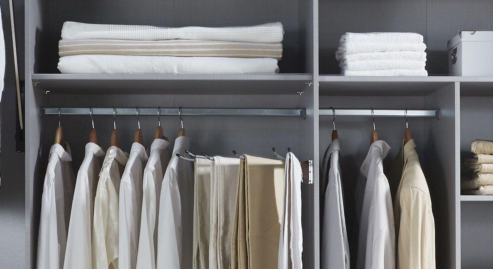 Kleiderstange in unterschiedlichen Breiten der Zusatzausstattung & Beleuchtung für Kleiderschränke