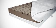 Hygienische Matratze mit offenem Bezug