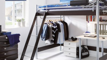 schlafzimmer f r studenten einrichten gestalten betten. Black Bedroom Furniture Sets. Home Design Ideas