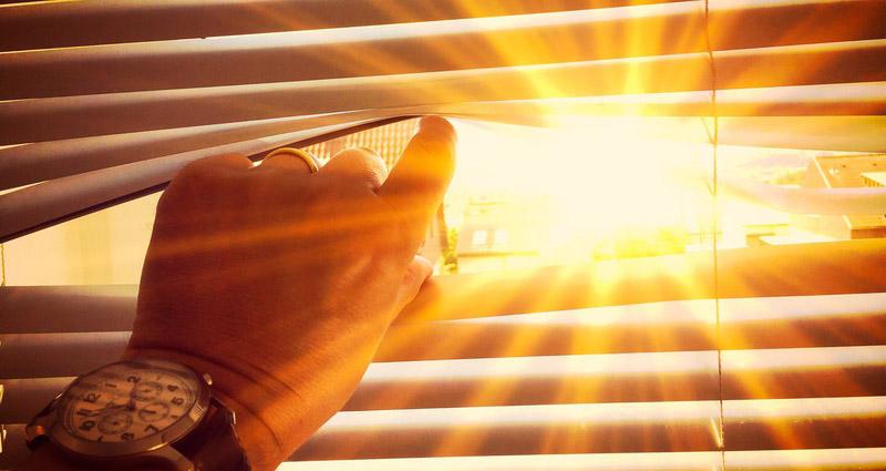 Der Sommer Ist Endlich Da Und Beschert Uns Aktuell Extreme Temperaturen Mit  Sonne Satt. Optimale Bedingungen Für Einen Tag Am Meer, Einen Besuch Im  Freibad ...