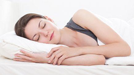 bedeutung schlafpositionen partner