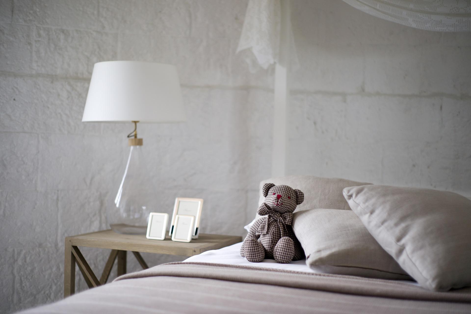 Das Schlafzimmer Ist In Erster Linie Ein Funktioneller Bereich Der Wohnung,  Der Zur Erholung Bzw. Zum Schlafen Dient. Dazu Benötigt Man Ein Geeignetes  Bett.